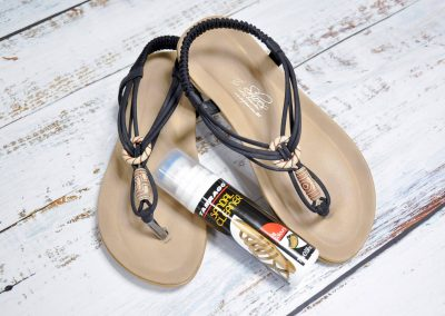 How to use Sandal Cleaner
